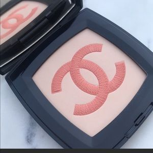 Chanel ILLuminating highlighter